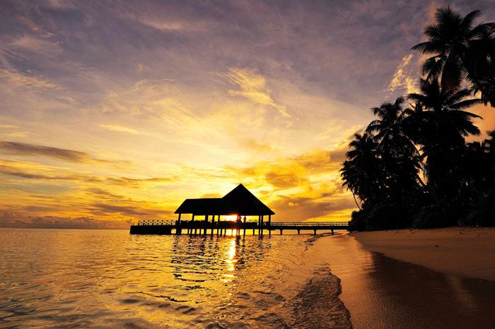Sonnenuntergang im Robinson Maldives